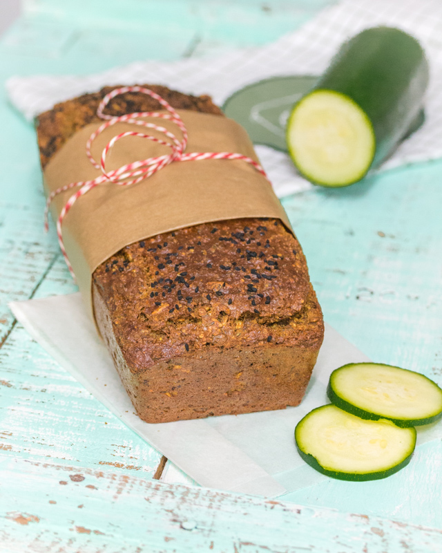 Low-Carb Zucchini Brot