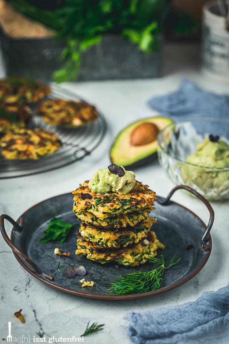 Gemüse Schafskäse Rösti mit Avocadocreme - glutenfrei, laktosefrei, vegetarisch