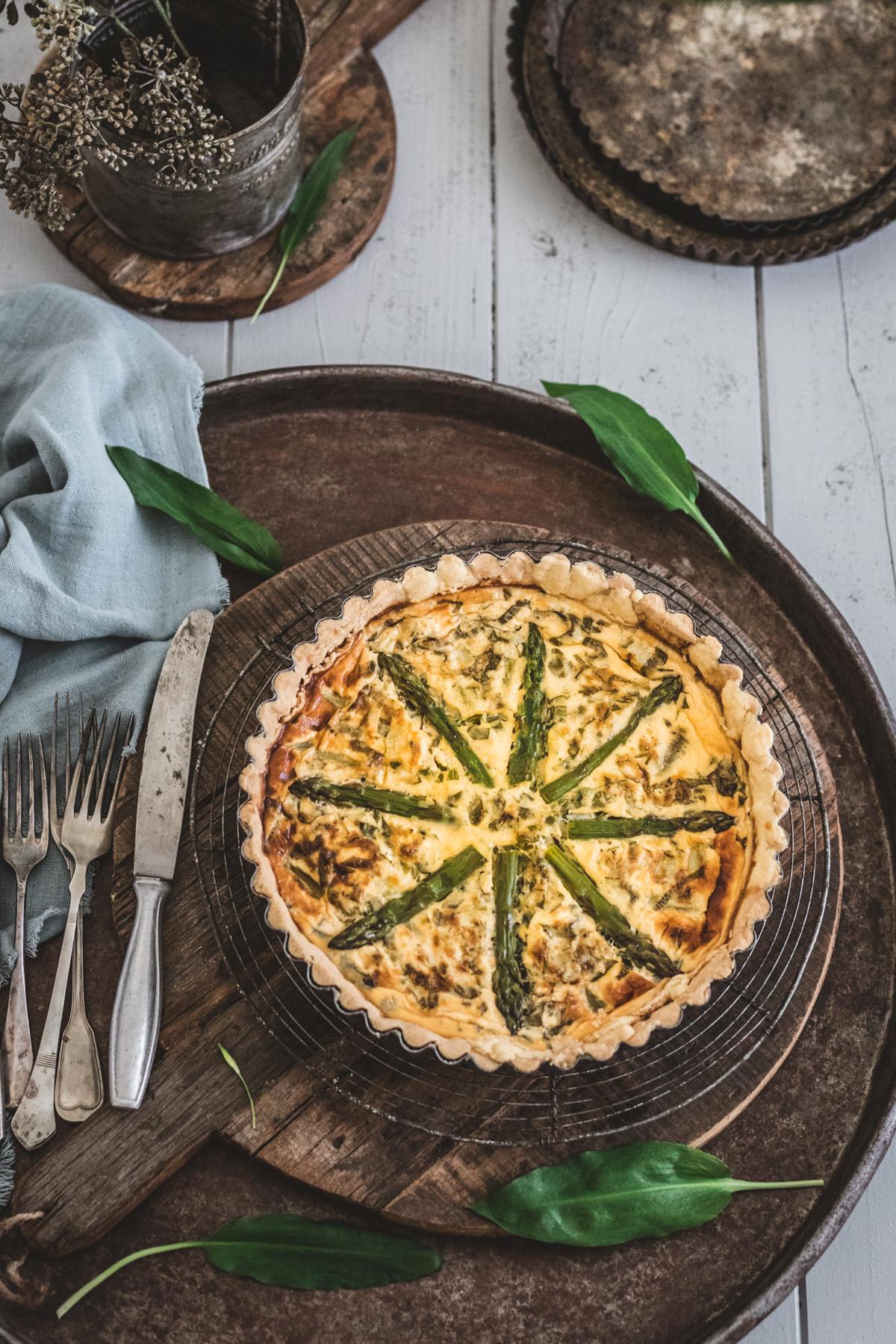 Quiche mit Bärlauch und grünem Spargel